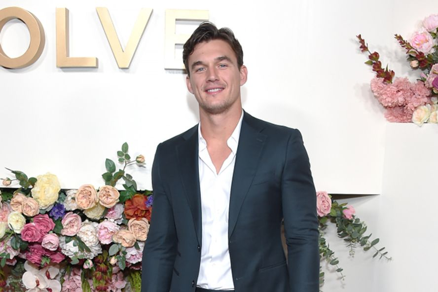 'Bachelorette' Alum Tyler Cameron Honors Late Mother Following Her Passing