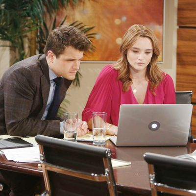 Report: Hunter King And Michael Mealor To Exit Y&R
