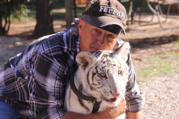 """'Tiger King' Star Jeff Lowe Says There's """"Much More"""" To Know About Carole Baskin's Missing Husband"""