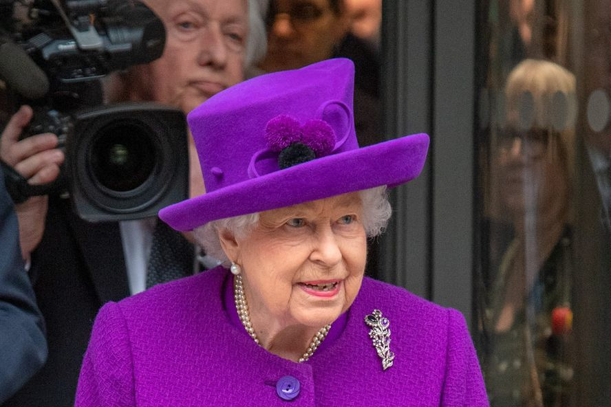 Queen Elizabeth To Step Back From All Public Appearances Until Fall