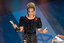 Carrie Underwood And Thomas Rhett Tie For ACM Entertainer Of The Year