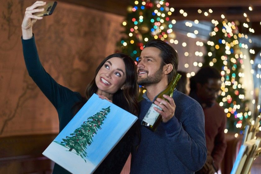 Hallmark's Holiday Movie Lineup 2020: Breakdown Of Hallmark's New Christmas Films - Fame10