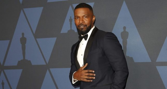 """Jamie Foxx Says His """"Heart Is Shattered"""" After The Passing Of Younger Sister"""
