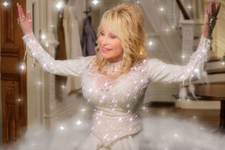 Dolly Parton's Holiday Special 'A Holly Dolly Christmas' Will Air On CBS This December