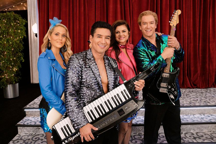 Saved By The Bell Reboot Renewed For Season 2