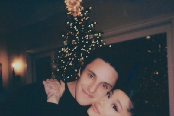Ariana Grande Secretly Married Dalton Gomez In An Intimate Wedding This Weekend