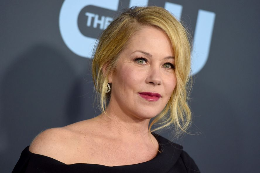Christina Applegate Has Been Diagnosed With Multiple Sclerosis