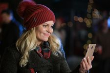 Hallmark's 2021 Countdown To Christmas Lineup Includes A Fuller House Reunion
