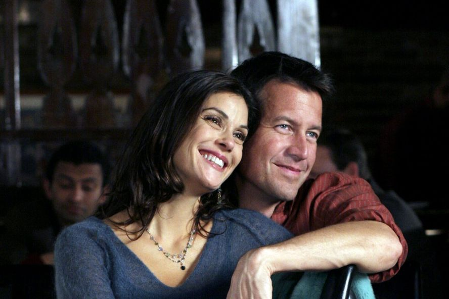 Desperate Housewives Alums Teri Hatcher And James Denton Will Reunite For A Hallmark Christmas Movie